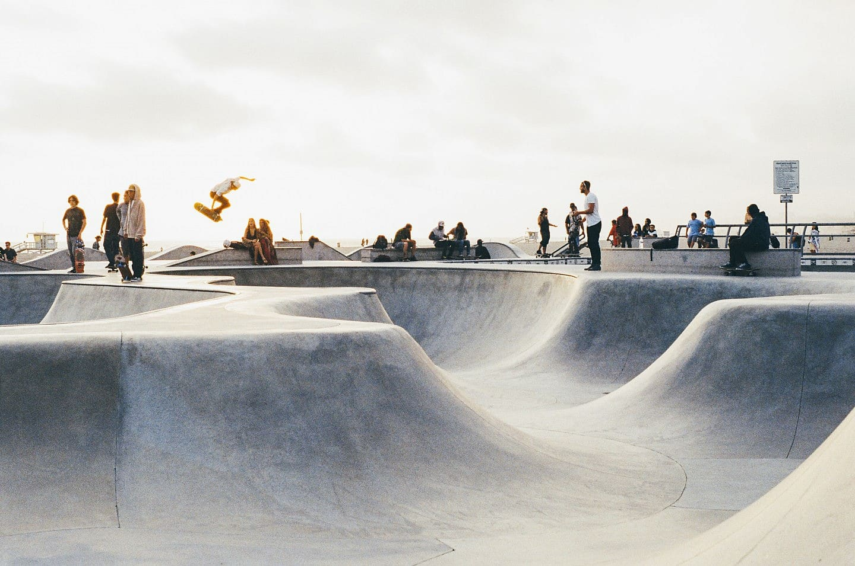 sport-skateboard-skateboarder-skateboarding